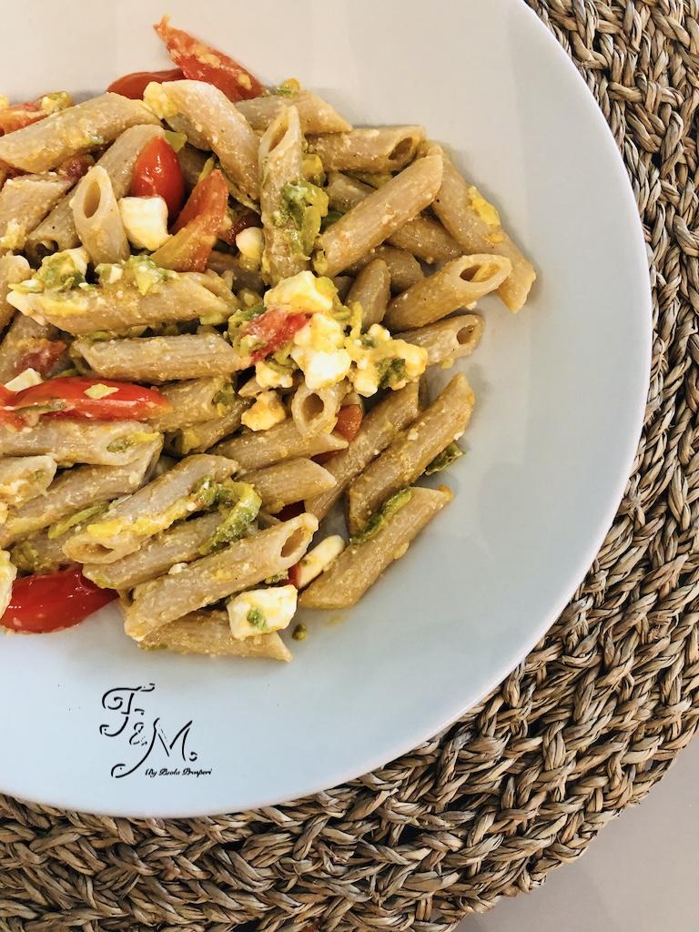 Pasta zucchine pomodori e feta